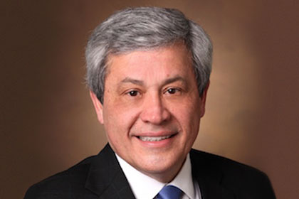 Internationally recognized breast cancer specialist Dr. Carlos L. Arteaga to head UT Southwestern's Simmons Comprehensive Cancer Center