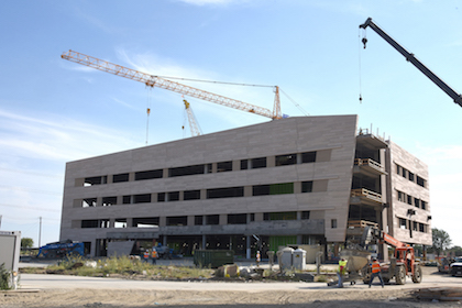 Texas Health, UT Southwestern celebrate construction milestone at new health campus in Collin County