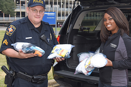 UTSW police show a heart for the homeless