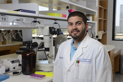 Graduate student earns Weintraub Award for structural biology work