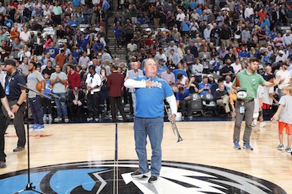 Trumpeter with transplanted lungs lives out his dream with Mavs