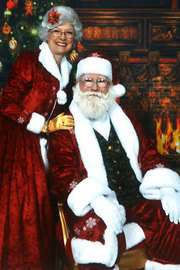 James Hammon – Jim (Aston Infusion Clinic) and Crystal Hammon (Clements) pose as Santa and Mrs. C.