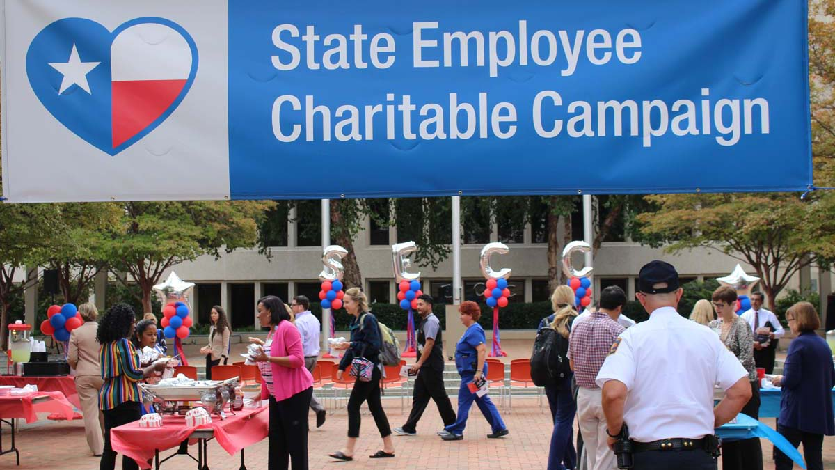 McDermott Plaza on South Campus had a festive atmosphere for the 2018 State Employee Charitable Campaign (SECC) kickoff event on Oct. 2.