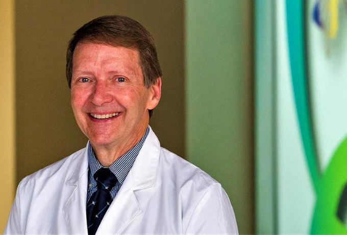 Dr. Craig Morriss