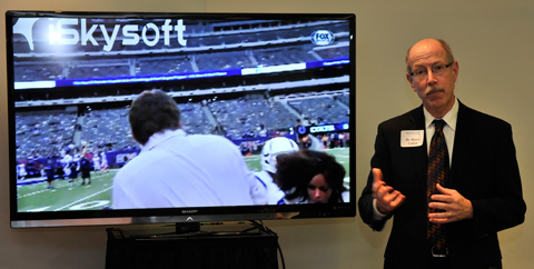 Munro Cullum, Ph.D., Professor of Psychiatry, explains how a sideline reporter for Fox News Sports sustained a concussion after being struck in the head with a football. Dr. Cullum has helped design concussion testing programs for teams in the NFL and NHL for more than a decade and studies the neuropsychological status of former NFL players.