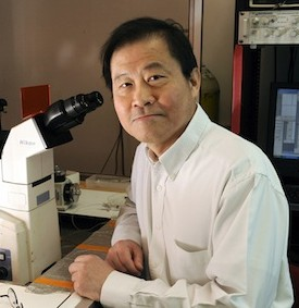 Dr. Huang in his lab