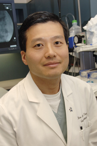 Dr. Shou Jiang Tang, assistant professor of internal medicine, is part of the<br>UT Southwestern team working with UT Arlington engineers in developing a wireless monitoring system that tracks esophageal reflux.
