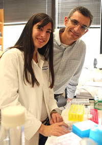 Researchers, including Drs. Pier Paolo Scaglioni (right) and Georgia Konstantinidou, have eliminated non-small cell lung cancer in mice by using an investigative drug in combination with low-dose radiation.