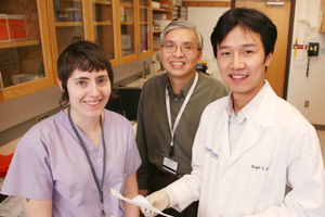 UT Southwestern researchers, including Crystal Gore, Dr. Jer-Tsong Hsieh (center) and Dr. Daxing Xie, have shown that prostate cancer cells are more likely to spread to other parts of the body if a specific gene quits functioning normally.
