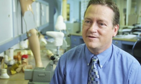 UT Southwestern Prosthetics-Orthotics Program partners with Texas Scottish Rite Children's Hospital-Dallas to provide students with cutting edge training and experience.