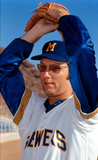 Ray Peters as pitcher for 1970 Milwaukee Brewers