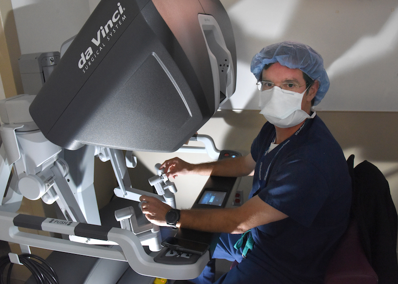 Dr. Jeffrey Cadeddu performed the first single-incision, laparoscopic, robotic surgery in Texas.